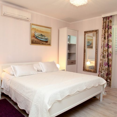 Double bedroom apartment Depadansa